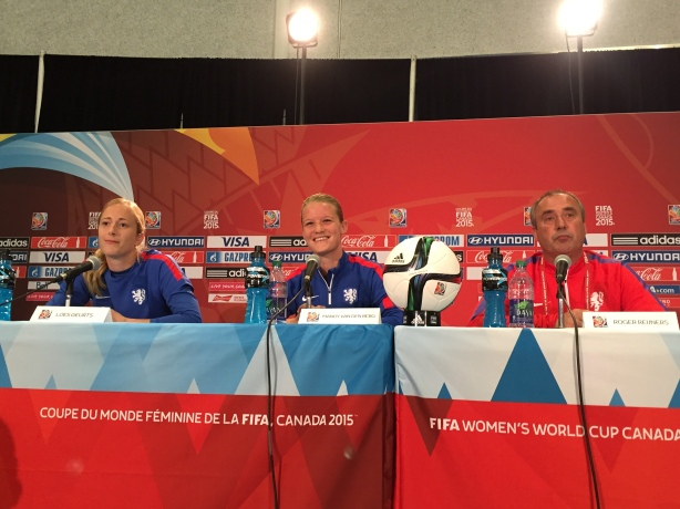 Goalkeeper Loes Geurts (Left), could miss the Netherlands second Group A match on Thursday, June 11 vs China.