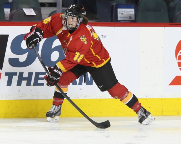 Calgary Dinos forward Alexandra Vafina. Photo Credit - David Moll.