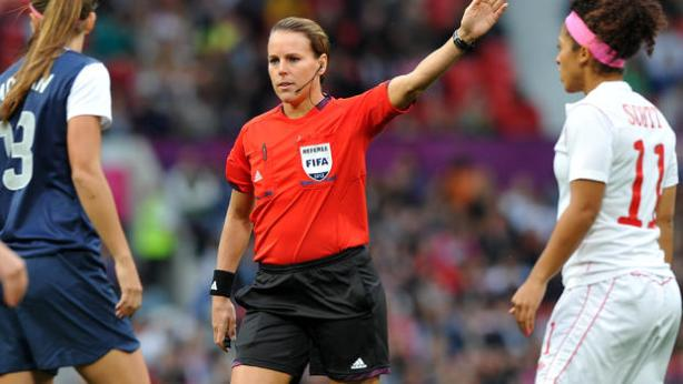 soccer_referee_149913124
